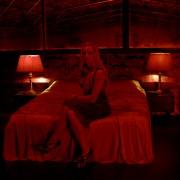 Kristin Scott Thomas - galeria zdjęć - Zdjęcie nr. 3 z filmu: Tylko Bóg wybacza