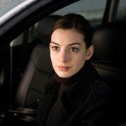 Anne Hathaway - galeria zdjęć - Zdjęcie nr. 5 z filmu: Ocaleni
