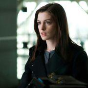 Anne Hathaway - galeria zdjęć - Zdjęcie nr. 8 z filmu: Ocaleni
