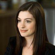 Anne Hathaway - galeria zdjęć - Zdjęcie nr. 1 z filmu: Ocaleni