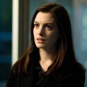 Anne Hathaway - galeria zdjęć - Zdjęcie nr. 14 z filmu: Ocaleni
