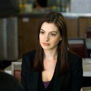 Anne Hathaway - galeria zdjęć - Zdjęcie nr. 17 z filmu: Ocaleni