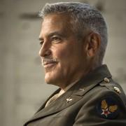George Clooney - galeria zdjęć - Zdjęcie nr. 10 z filmu: Paragraf 22