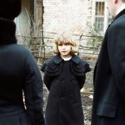 Bérénice Bejo - galeria zdjęć - Zdjęcie nr. 2 z filmu: Dzieciństwo wodza