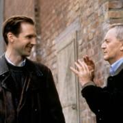 Ralph Fiennes - galeria zdjęć - Zdjęcie nr. 17 z filmu: Kropla słońca