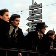 Christian Bale - galeria zdjęć - Zdjęcie nr. 9 z filmu: Dzieci swinga