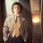 Christian Bale - galeria zdjęć - Zdjęcie nr. 1 z filmu: Dzieci swinga
