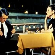 Audrey Hepburn - galeria zdjęć - Zdjęcie nr. 7 z filmu: Szarada