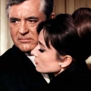 Audrey Hepburn - galeria zdjęć - Zdjęcie nr. 9 z filmu: Szarada