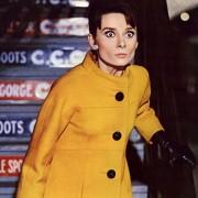 Audrey Hepburn - galeria zdjęć - Zdjęcie nr. 10 z filmu: Szarada