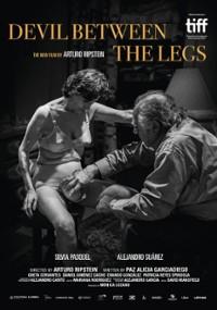 Diabeł między nogami (2019) plakat