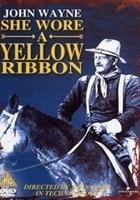 Nosiła żółtą wstążkę