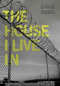 Dom, w którym mieszkam (2012) plakat