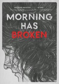 Kobieta budzi się rano
