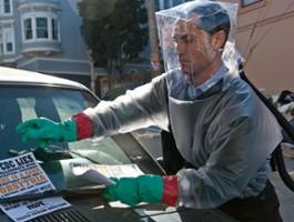 """Naukowiec pomagający przy """"Contagion"""" zakażony koronawirusem"""