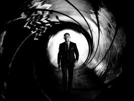 "Scenarzysta ""Ultimatum Bourne'a"" poprawia tekst ""Bonda 25"""