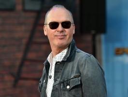 Michael Keaton będzie musiał zaopiekować się bliźniaczkami