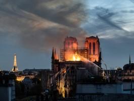 Jean-Jacques Annaud opowie o pożarze katedry Notre Dame