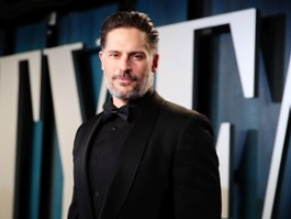 """Manganiello, Slater w spin-offie anime """"Army of the Dead"""""""