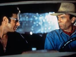 """Neill i Goldblum śpiewają na myśl o """"Jurassic World: Dominion"""""""