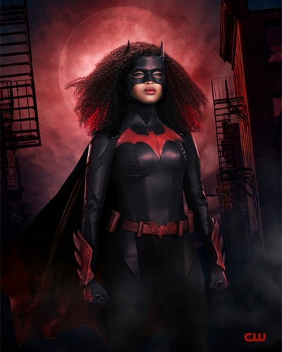 THE-CW-BATWOMAN_FIRST-LOOK_1.jpg