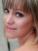 Elizabeth Morales I
