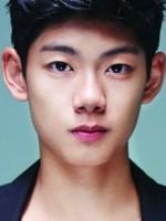 Ee-hyeon Ryoo