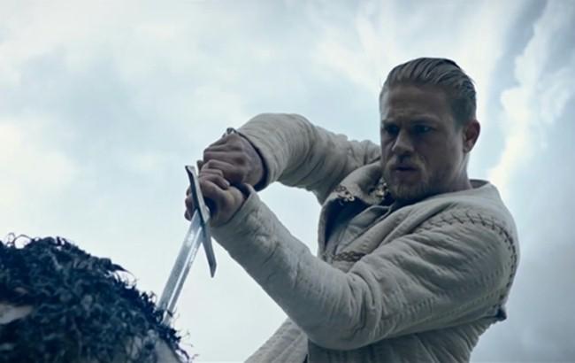 zwiastun filmu Król Artur: Legenda miecza