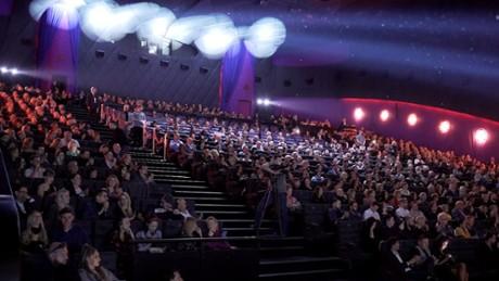 """Kadr z video Filmweb na uroczystej premierze """"365 dni"""""""