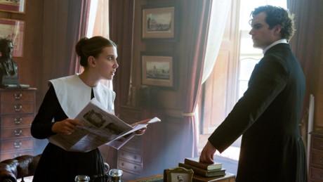Kadr z video Henry Cavill opowiada o roli Sherlocka Holmesa