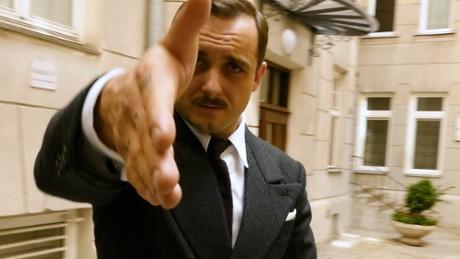 "Kadr z video Z wizytą na planie serialu ""Król"""