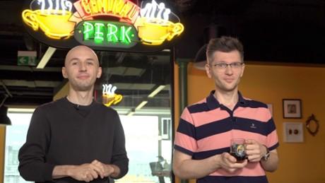 Kadr z video Przyjaciele